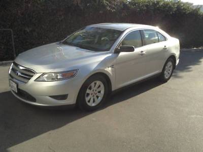 2012 Ford Taurus SE 2012 Ford Taurus SE 4 Door Sedan in Excellent Condition