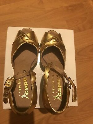 "CAPEZIO ""On Stage"" Girl/woman Dance Shoes Size 5M"