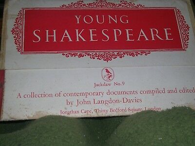 JACKDAW No 9 Young Shakespeare All documents present Nice collectable