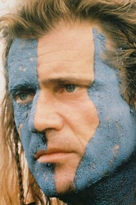Mel Gibson As William Wallace In Braveheart Stripes Close-Up 24X36 Poster Print