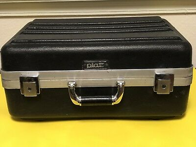 "Nice! Platt Plastic Case with Locks (No Keys) 18""X13""X8"""
