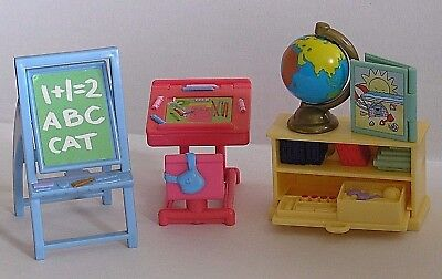 Fisher Price Loving Family 2002 Playroom Retro With Desk Globe Book & Easel