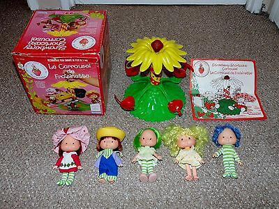 1980 Kenner Strawberry Shortcake Carrousel Complete with Box & 5 Dolls