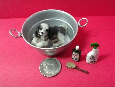 Dollhouse Miniature Washing the cute spaniel dog, tub shampoo brush flea spray