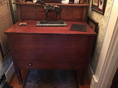 Elegant Southern Kentucky Cherry Sugar Chest with Dividers and Drawer, c. 1820