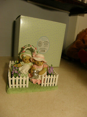 Cherished Teddies SHEA & LEXY 4016841 FRIENDSHIPS AND GARDENS GROW WITH LOVE NEW