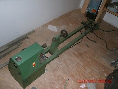 """G1025 Grizzly 16"""" x 42"""" Variable-Speed Wood Lathe"""