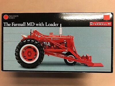 ERTL 1/16 IH FARMALL MD with The McCormick No.31 Power Loader Precision Series