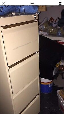 4 Draw Filing Cabinet With Keys