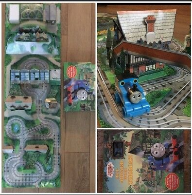 All aboard with Thomas The Tank Engine Pop up book train set Clock Work