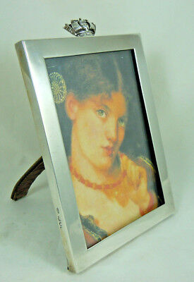 ANTIQUE SOLID SILVER PHOTO FRAME LONDON 1907 GOLDSMITHS & SILVERSMITHS Co.