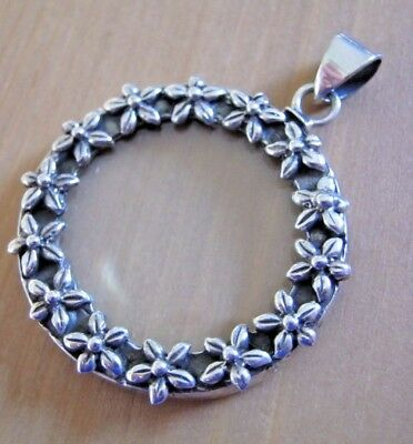 Beautiful Birmingham Hallmarked Sterling Silver Magnifying Glass Fob Pendant