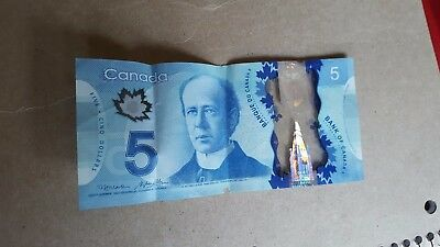 canada currency  5dollars p835