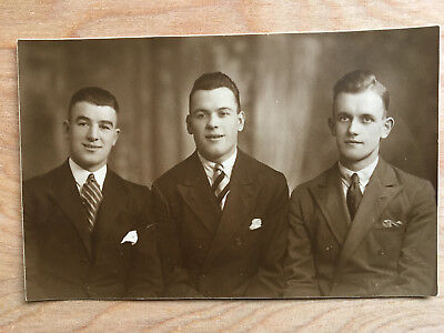 Postcard photo Archie Scott Derby County 1927/33 + two unknown Derby Players.
