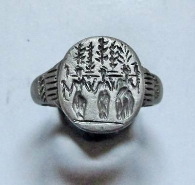 ANCIENT ROMAN SILVER ENGRAVED three women, RING.