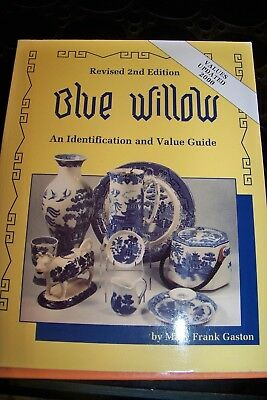 Identification/price Guide Book On Blue Willow
