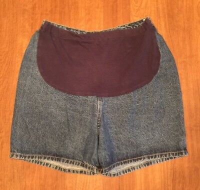 Pre-Owned Baby & Me brand Maternity Denim Jean Shorts Size Medium/MD