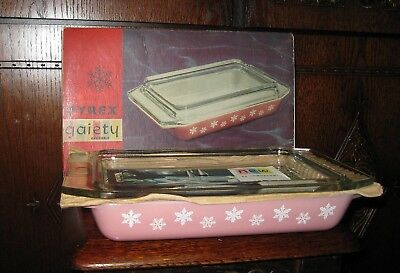 Vintage Pyrex Space Saver, Pink Gaitey Snowflake, Boxed,brand New Never Used