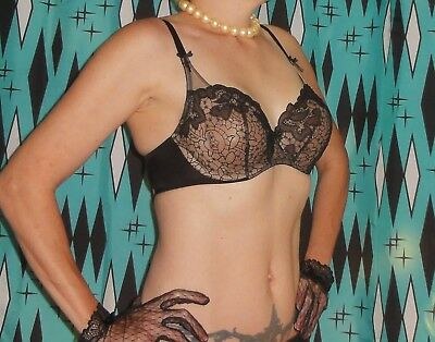 Vintage Wacoal Push Up Bra & 32 DD pinup clothing girl retro embroidery sheer