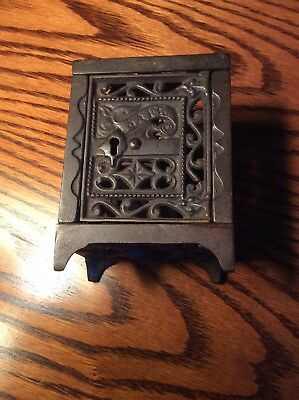 """safe""  Vintage Cast Iron Still Bank J.e. Stevens"