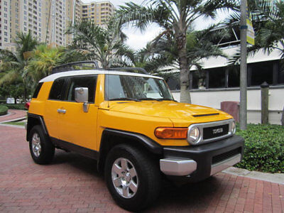 2007 Toyota FJ Cruiser 4WD 4dr Automatic Florida 2007 Toyota FJ Cruiser 4X4 Automatic AC Rear Camera Power Inverter More