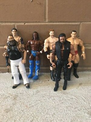WWE 6.Action Figures In Very Good Condition