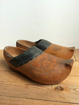 Zuecos Antiguos / Antique Clogs