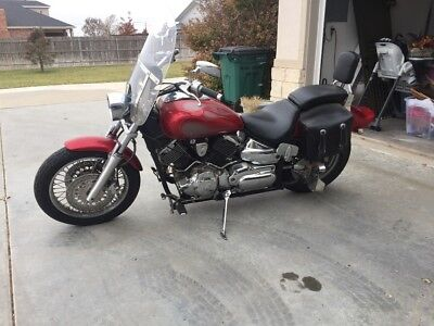 2006 Yamaha V Star  2006 Yamaha 1100 V-Star.  Runs great. Only 11,860 miles.  additional set of pipe