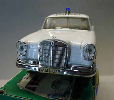 Gama 375 Mercedes 220 S Polizei - ca. 1:12 - Mint Boxed!
