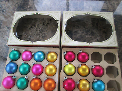 Lot of 20 Vintage Shiny Brite Satin Glass Globe Christmas Ornaments in boxes 190