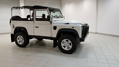 Land Rover: Defender 90 1999 Land Rover Defender 90 TD5 Diesel Soft Top