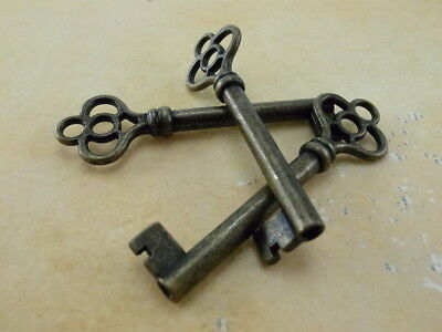 Old Vintage Style Open Barrel Skeleton Key -Antique Brass Color - 3 pcs - New
