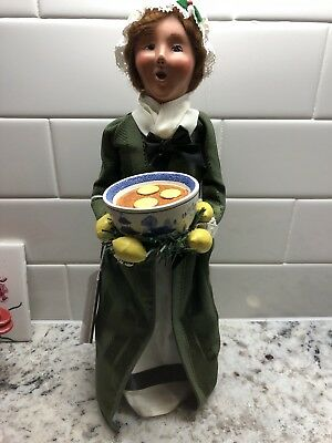 Byers Choice Caroler Williamsburg Woman with Lemon Bowl 2006