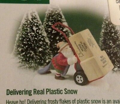 Dept 56 Village North Pole Series DELIVERING REAL PLASTIC SNOW mintNEW retired