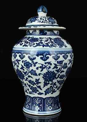 China Collectible Old Handwork Painting Blue And White Porcelain Delicate Jar RR