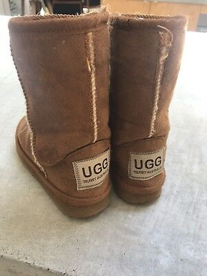 Ugg Boots Kids Size Cm 14 , US8, Uk 7, EUR 25.