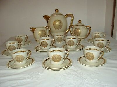 Ancien Service A Cafe En Porcelaine De Limoges Raynaud Frise Or