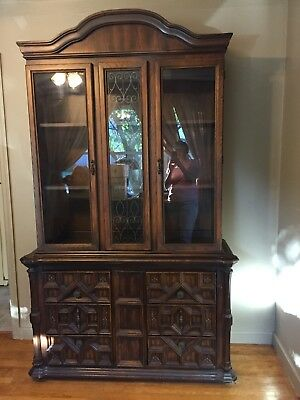 Vintage 1970's China Hutch Buffet Spanish Style Dining Room Furniture Lighted