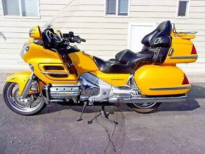 2002 Honda Gold Wing  2002 HONDA GOLDWING GL1800, HOT ROD YELLOW, BEAUTIFUL,  LOADED, EXTRAS, SUPERB!