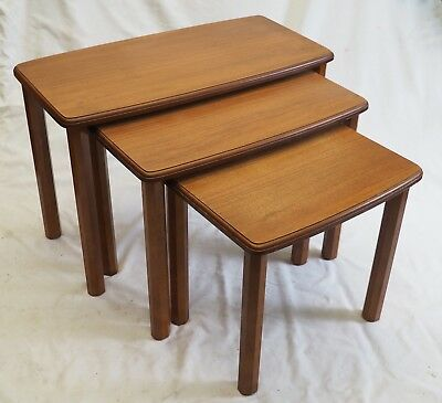 Vintage Timber Wood Nest Of 3 Small Side Tables Good Condition Retro