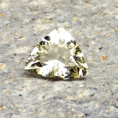 GOLDEN BERYL / HELIODOR-BRAZIL 1.27Ct FLAWLESS-FOR BEAUTIFUL SMALL SIZED JEWELRY