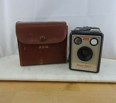 Vintage Kodak Brownie Flash II Box Camera Made in England with Case