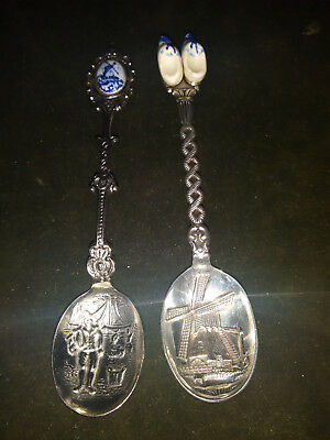 SS26) 2 VINTAGE SOUVENIR SPOONS-HOLLAND-1-WINDMILL,1-CLOGS(silver plated)