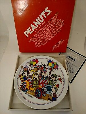 MIB Vintage Peanuts Snoopy & Gang CLOWN CAPERS Schmid Collectible Plate #3144