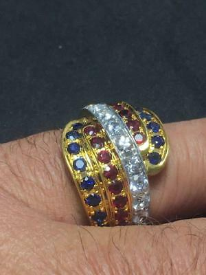 Impressive solid 18 carat Gold and natural Sapphire ring  (3 carat)