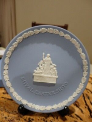 Wedgewood Blue Jasper Plate featuring Royal Agricultural Society NSW motif LtdEd