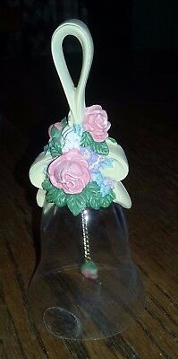 1989 AVON SPRING FLORAL BOUQUET 24% Lead Crystal Glass BELL