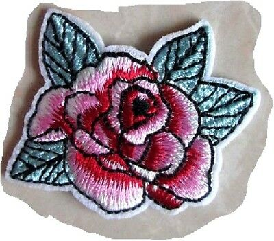 C5260 - FLEUR BOUTON ROSE ** 5 x 4,5 cm ** APPLIQUE ÉCUSSON PATCH THERMOCOLLANT