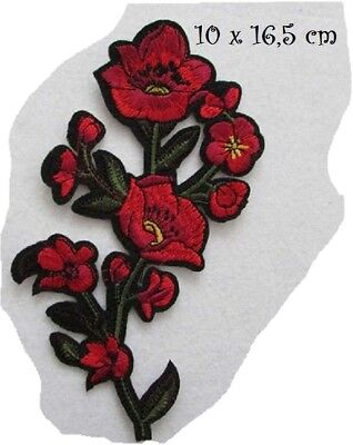 C5634 - FLEUR ROUGE ** 10 x 16,5 cm ** APPLIQUE ÉCUSSON PATCH THERMOCOLLANT