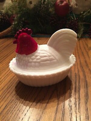 Vintage Westmoreland Milk Glass Hen on Nest Covered Box MINT